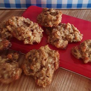 Vollkorn-Hafer Kekse mit Mandeln und Äpfeln